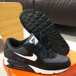 Custom Nike id Airmax 90's, size 11.5